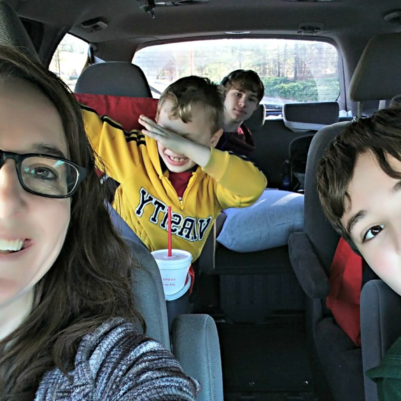 10 Best Road Trip Tips For The Solo Mom