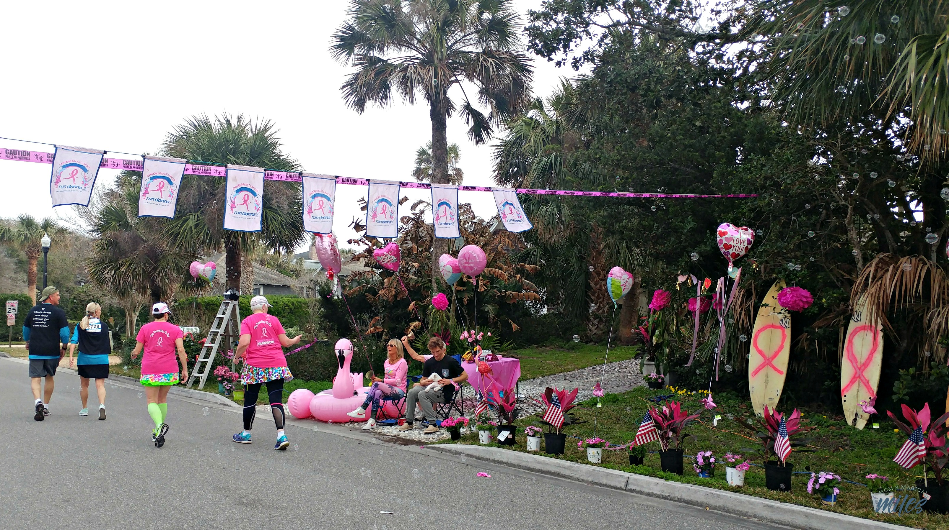 You'll find fun decorations along the Donna Half course in Jacksonville, FL!